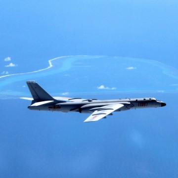Image: Chinese H-6K bomber