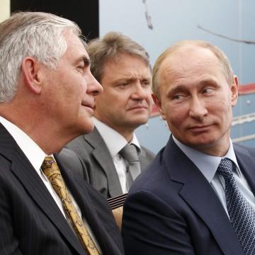 Image: Rex Tillerson, Alexander Tkachev, Vladimir Putin in 2012