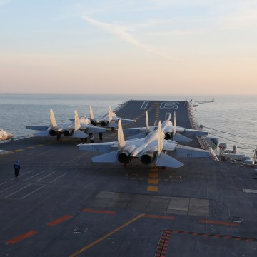 Image: Chinese J-15 fighter on the Liaoning aircraft carrier