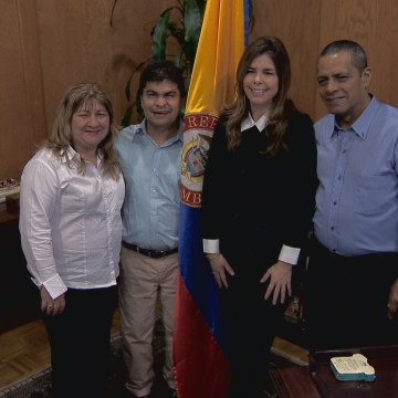Left to right: Maria Emilia, Aristizabal, Jeison Aristizabal, Colombian Consul Mar?a Isabel Nieto Jaramillo and