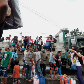 Image: TOPSHOT-PHILIPPINES-TYPHOON