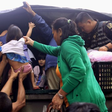 Image: TOPSHOT-PHILIPPINES-WEATHER-TYPHOON