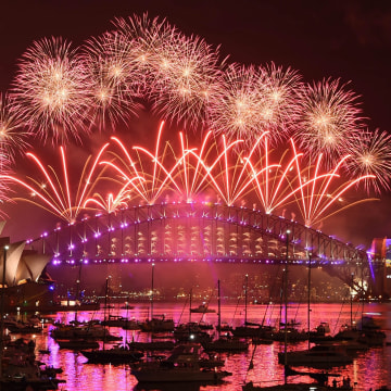 Image: New Year's Eve Fireworks light up the sky above Sydney.