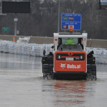 Image: Missouri Confronts Major Flooding in 16 Counties as Rivers Crest