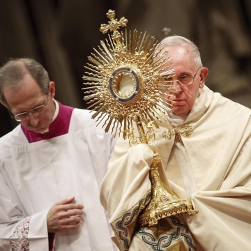 Image: Pope Francis celebrates First Vespers and Te Deum