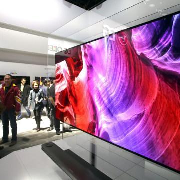 Image: The LG Signature OLED TV W