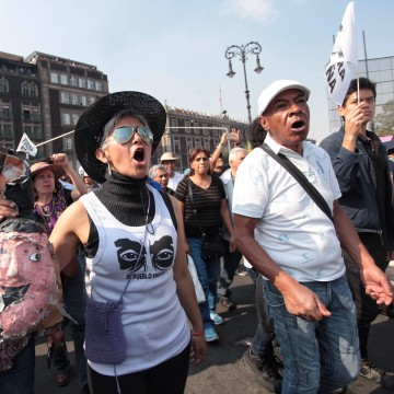 Image: Mexicans protest against the rise of fuels' prices