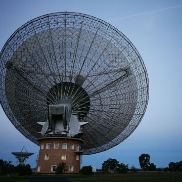Image: CSIRO's Parkes Observatory radio telescope is seen on June 13, 2009 in Parkes, Australia.