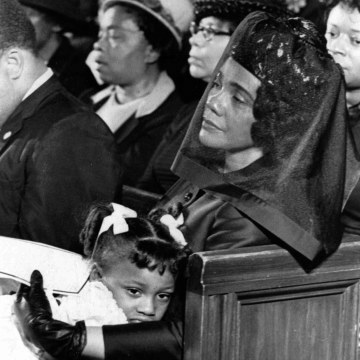 Image: Coretta Scott King and her daughter Bernice