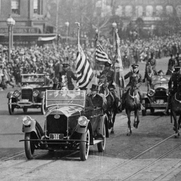 Image: President Calvin Coolidge during his inaugural parade in March 1925