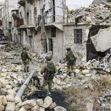 Image: Russian troops in Aleppo, Syria