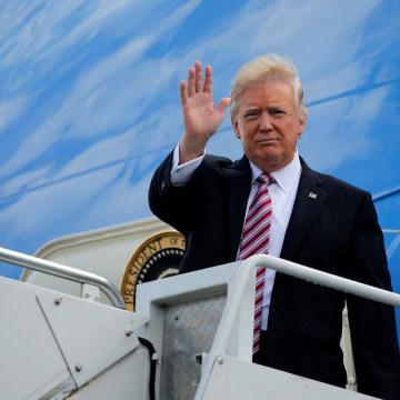 Image: Trump arrives aboard Air Force One at Philadelphia International Airport in Philadelphia