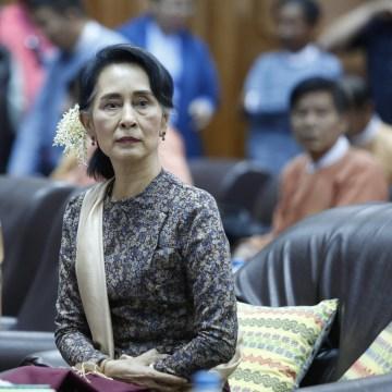 Image: Myanmar's State Counselor Aung San Suu Kyi visits Bagan