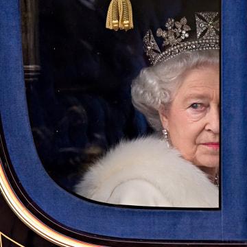 Image: Queen Elizabeth II in 2009