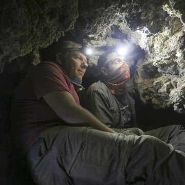 Image: Hebrew University archeologists find 12th Dead Sea scrolls cave