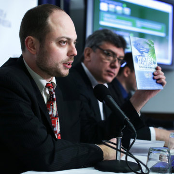 Image: Vladimir Kara-Murza, left, a senior policy adviser at the Institute of Modern Russia on Jan. 30, 2014 at the National Press Club in Washington, D.C.
