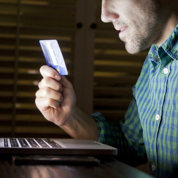 Credit Card Online Laptop Shopper