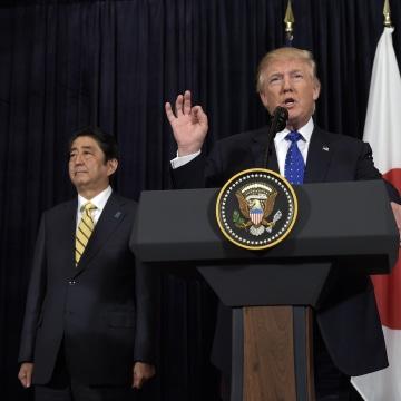 Image: Donald Trump, Shinzo Abe