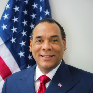 Image: Georgia businessman and Trump Advisor, Bruce LeVell, announced that he will run for Congress.
