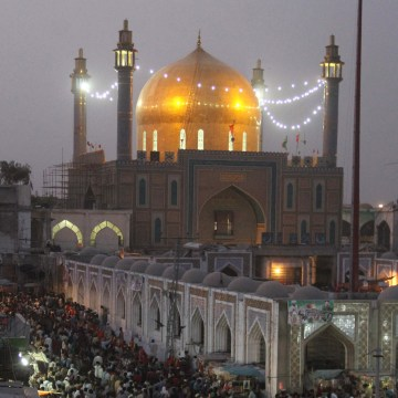 Image: Shrine of Lal Shahbaz Qalandar
