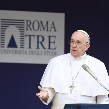 Image: Pope Francis' visits University Roma Tre