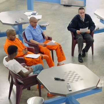 Image: Group counseling sessions on the veteran pod at the Albany County jail often tackle issues of post-traumatic stress and addiction.
