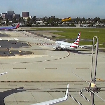 Image: Harrison Ford plane incident in Santa Ana, California