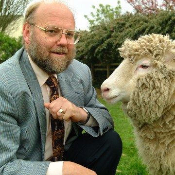 Image: Sir Ian Wilmut with Dolly