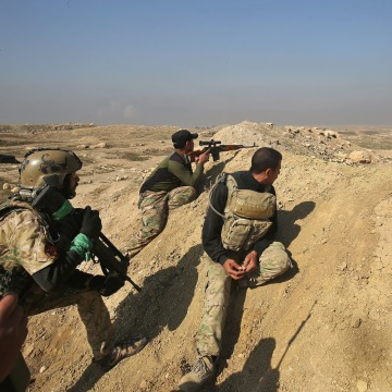 Image: Iraqi forces advance towards the Mosul airport