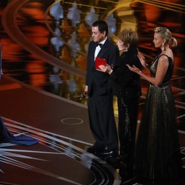 Image: 'Salesman' wins at Oscars