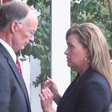 Image: Alabama Governor Robert Bentley speaks with former aide Rebekah Mason.
