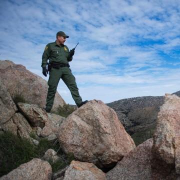 Image: U.S. Border Patrol agent