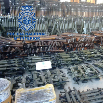 Image: Guns recovered by police in Spain