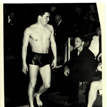 Hirose continued to swim during his naval career, including during the Allied Games.