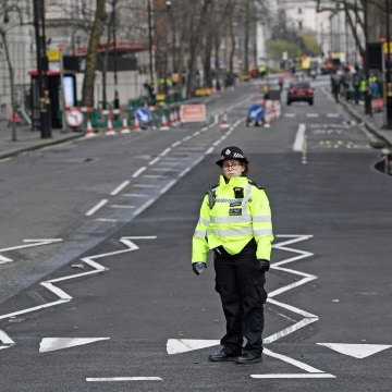 Image: Police officer near U.K. Parliament