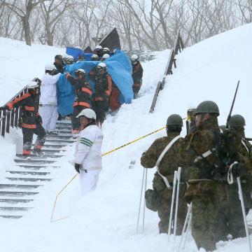 Image: An avalanche survivor