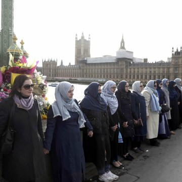 Image: Muslim women gather on Westminster Bridge