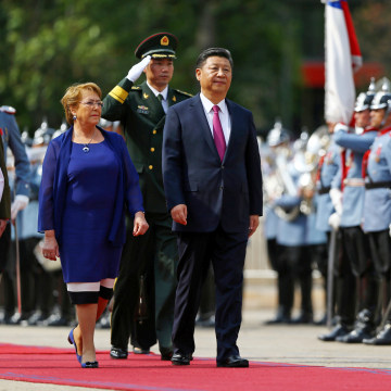 Image: Chile's President Michelle Bachelet and China's President Xi Jinping