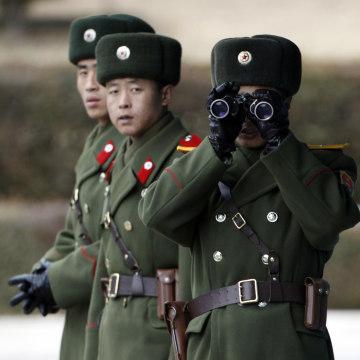 Image: North Korean soldiers