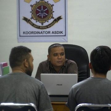 Image: INDONESIA-ISLAM-CRIME-HOMOSEXUALITY