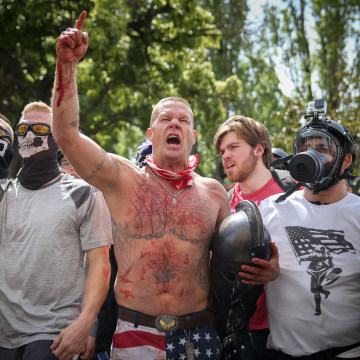 Image: Trump supporters face off with protesters