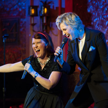 Image: Jane Lynch signs with Kate Flannery