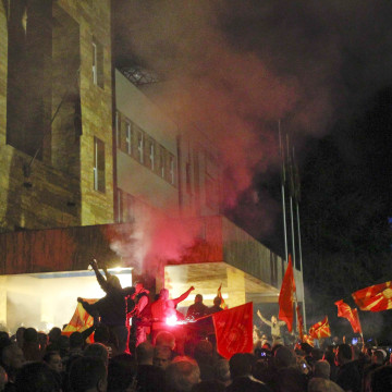 Image: Demonstrators storm into Macedonia's parliament in Skopje