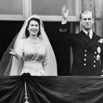 Image: Princess Elizabeth and Prince Philip in 1947