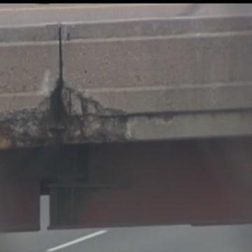 Image: Western Hills Viaduct crack