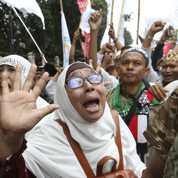"Image: Muslim protests against ""Ahok"""