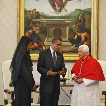 Image: Barack and Michelle Obama meet Pope Benedict XVI