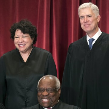 Image: Supreme Court Justices Sonia Sotomayor and Neil Gorsuch pose for a group portrait