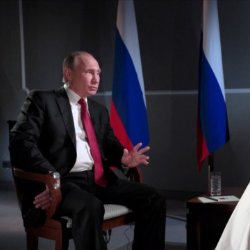 Image: Russian President Vladimir Putin sits with Megyn Kelly