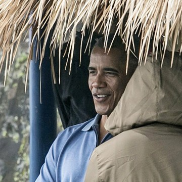 Image: Obama visits Jatiluwih rice terrace in Bali
